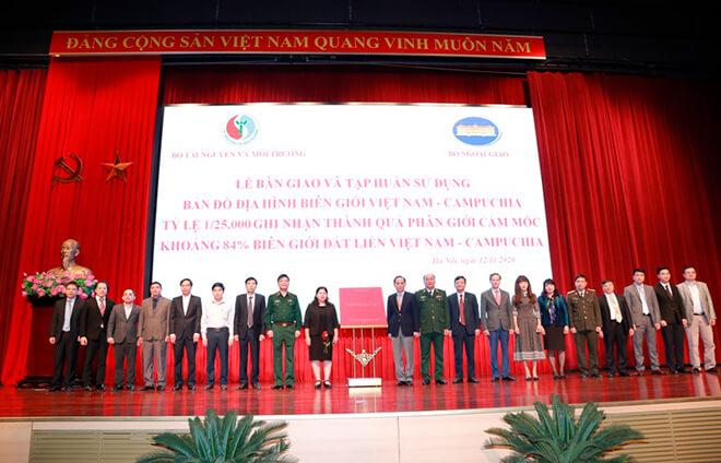 meetvn-cong-bo-10-su-kien-nganh-tai-nguyen-va-moi-truong-nam-2020-08
