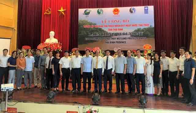 Khung-ảnh-bài-đăng-web-meet-cong-bo-10-su-kien-nganh-tai-nguyen-va-moi-truong-nam-2020-05