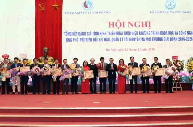 Khung-ảnh-bài-đăng-web-meet-cong-bo-10-su-kien-nganh-tai-nguyen-va-moi-truong-nam-2020-09